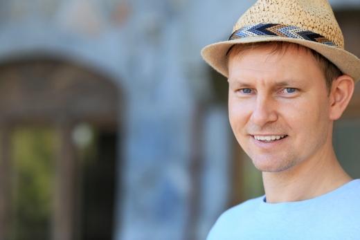 Tomas-Horz-Medium-Side-Hat-Original